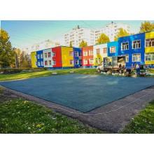 Уложили бесшовное покрытие на игровой площадке. Детский сад № 191 в Сипайлово